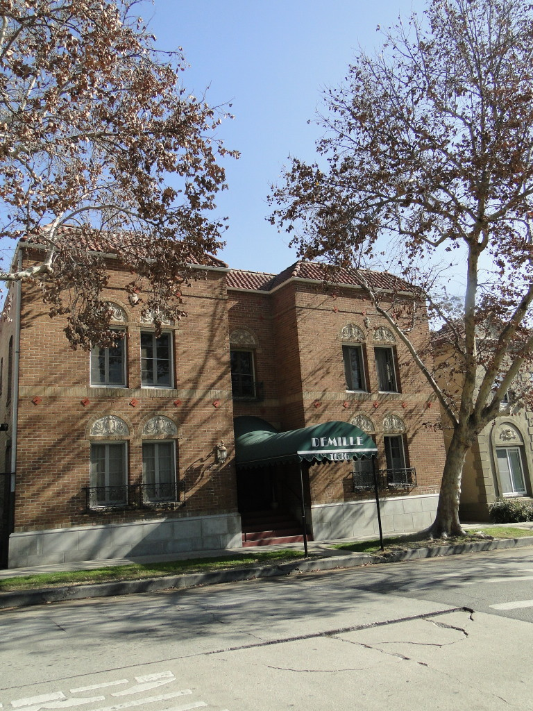 Lyman Village Apartments Los Feliz