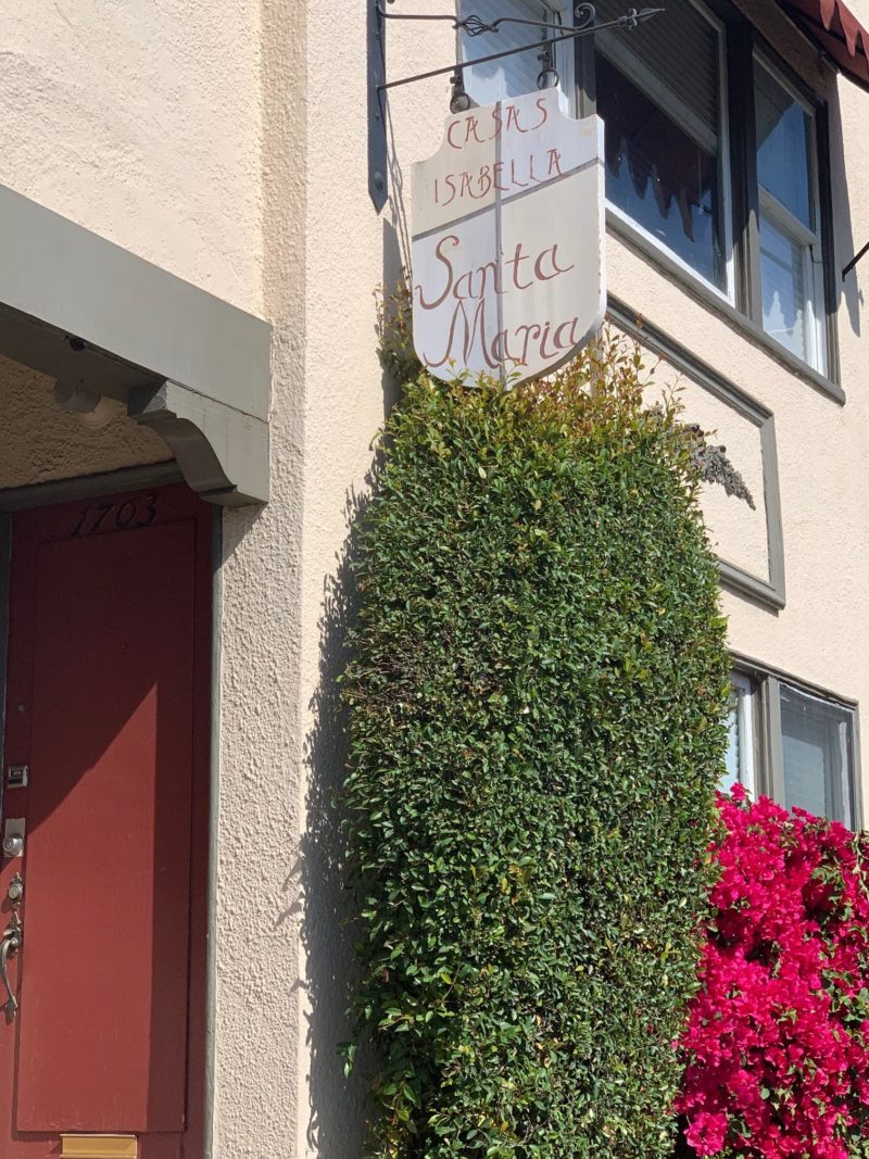 1701 Hillhurst Ave • Los Feliz (NO VACANCIES)
