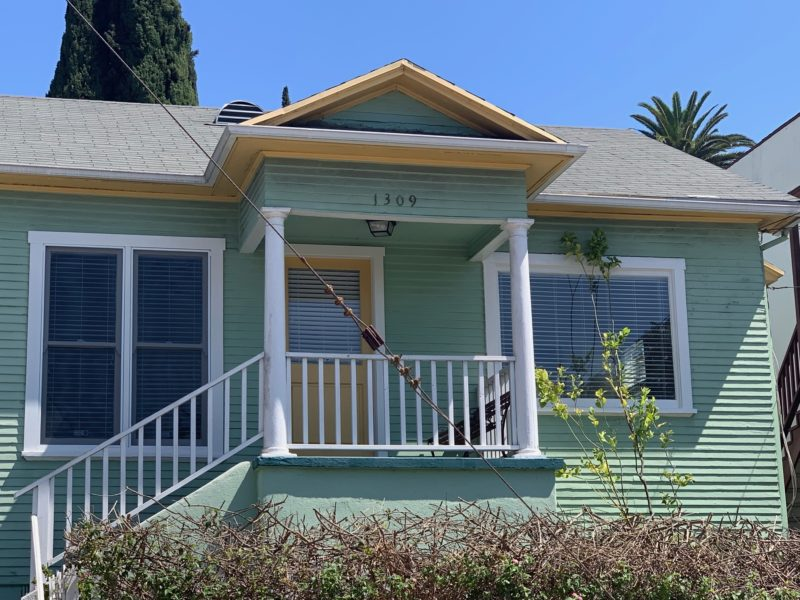 1309 Calumet Ave. Angelino Heights. 1 Bed, 1 Bath (No Vacancies)