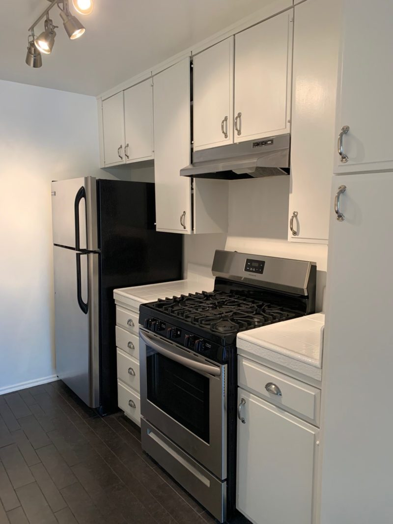 2010 N. Beachwood Dr. #201 Los Angeles 2 bed, 2 bath with a pool  (No Vacancies)
