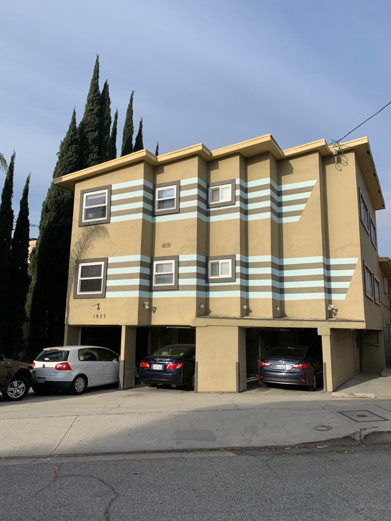 1933 N. Beachwood Dr. #103 Los Angeles CA. 90068.  1 Bed, 1 Bath w/Parking $1,850