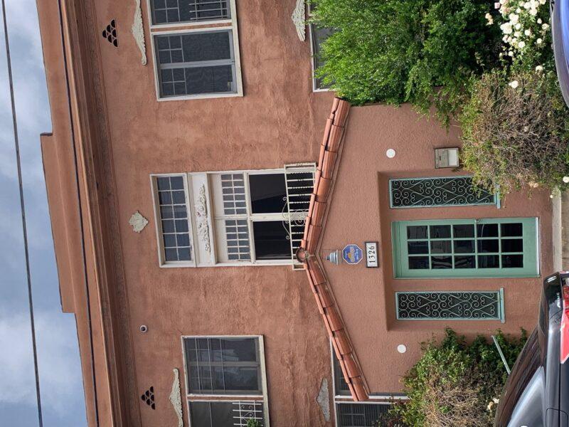 1326 Virgil Place. #11 Los Angeles CA. 90027 Top Floor Studio $1,395