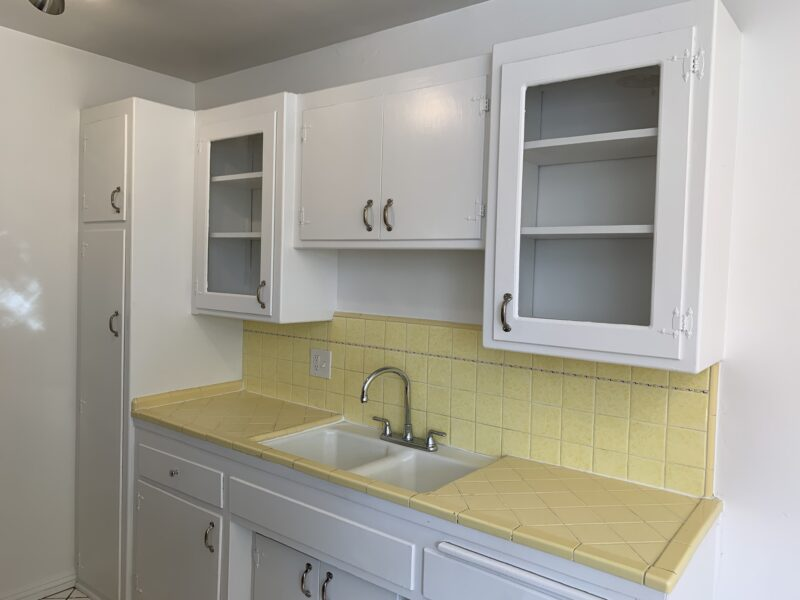 1823 El Cerrito Pl. #D Los Angeles CA. 90068. 1 Bed, 1 Bath w/ wood floors $1,895