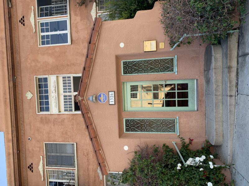 1326 Virgil Pl. #7 Los Angeles CA. 90027. 1 Bed, 1 Bath with lots of charm. $1,395