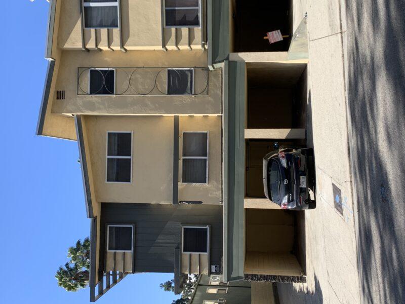 1823 El Cerrito Place #J Los Angeles CA. 90068. 2 Bed, 1 Bath top floor w/ hardwood floors. $2,000 w/ $1,000 move in bonus.