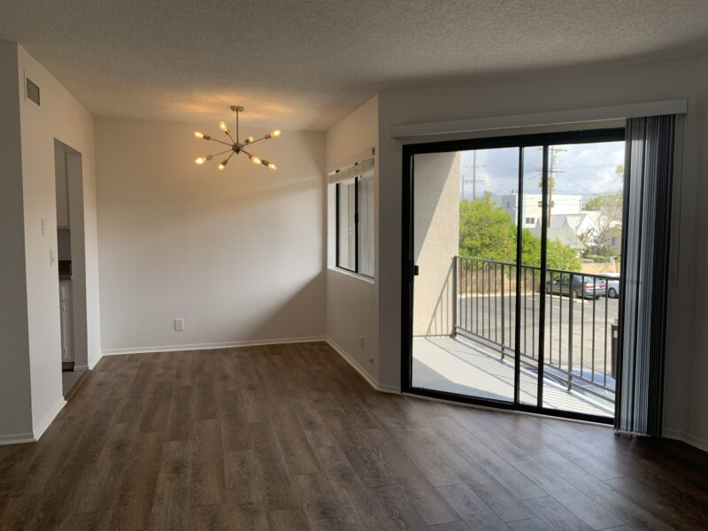5721 Elmer Ave. #4 North Hollywood Ca. 91601. 2 Bed, 1 Bath w/ Central Air and Heat $1,995