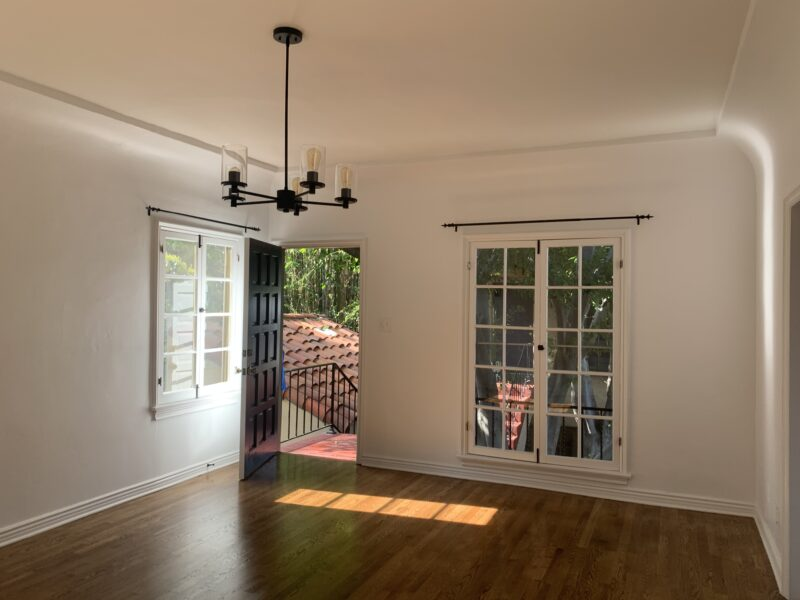 1322 3/4 Lucile Ave. Los Angeles, CA. 90026. Charming 2 Bed, 1 Bath $3,295