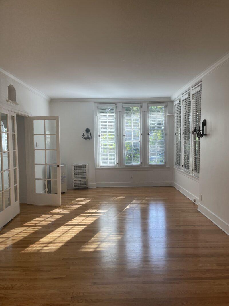 PENDING! 1855 1/2 Canyon Dr. Los Angeles, CA. 90028. Studio w/ wood floors $1,650.